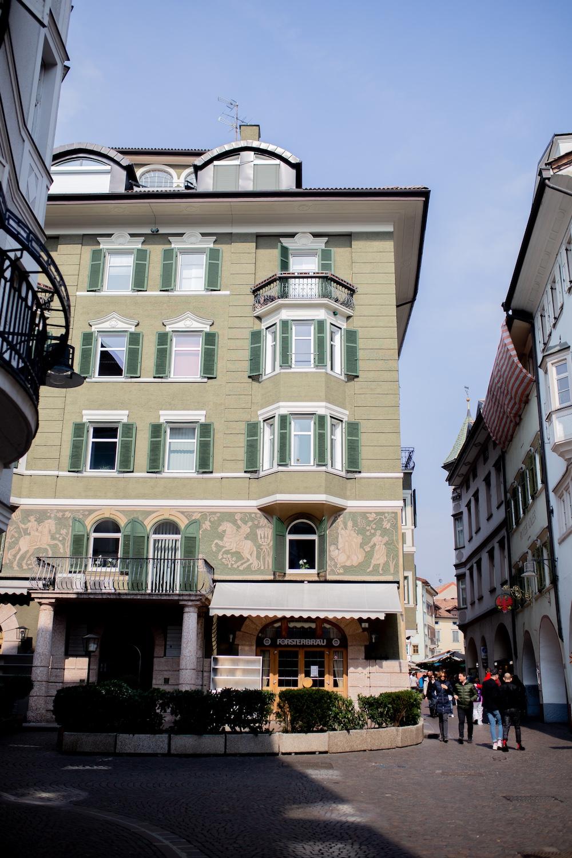 www.thegoldenbun.com | Spring in Bolzano