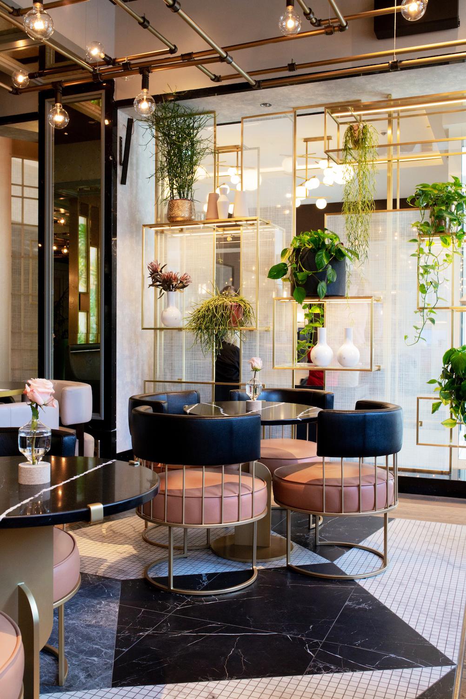 www.thegoldenbun.com | Juliet Rose Bar im City Hilton in Haidhausen