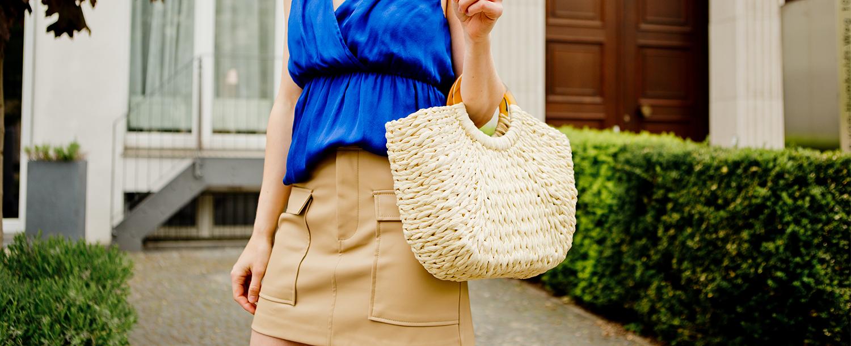 Blue, beige & a straw bag!
