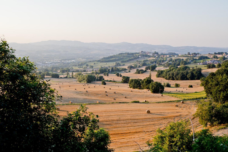 www.thegoldenbun.com | Vacanze Italiane Holidays Italy Fano Marche countryside