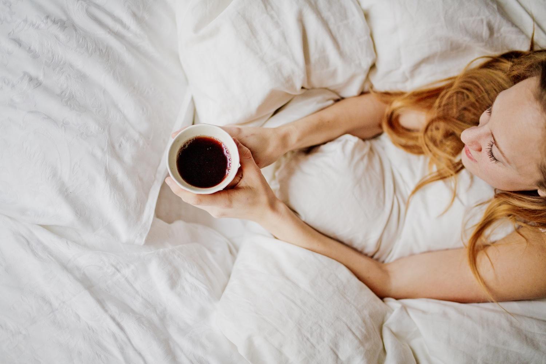 Sleep habits Improve sleep quality Sleep routine TEMPUR Mattress Pillow | www.thegoldenbun.com